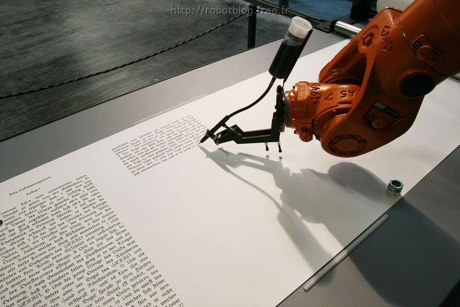Célèbre Un Robot réécrit la Bible | Robot Blog YO07