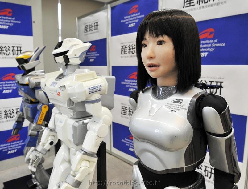 Des Visiteurs d'Apparence Humaine : Ucroa-hrp-4c-humanoide-top-model-02