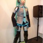 HRP-4C Humanoide - Vocaloid - CEATEC-2009 #1