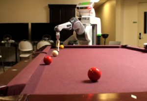 PR2 Robot de Willow Garage joue au Billard #1