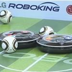 Hom-Bot - RoboKing - Robot Aspirateur de LG joue au FootBall #3