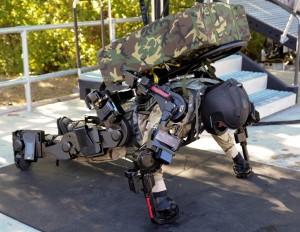 Xos 2 - Exosquelette de Raytheon Sarcos #3