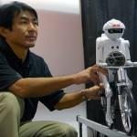 Murata Boy - Robot - CES 2011 #2