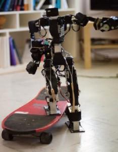 Acroban - Robot Humanoïde qui évolue et apprend comme un enfant #3