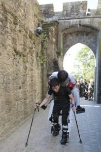 Un Japonais handicapé au Mont-Saint-Michel grace a robot exosquelette #2