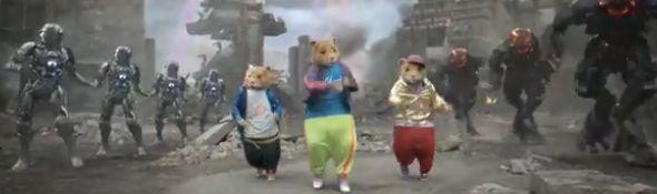 """Publicité Kia Soul - Des robots pour la """"Hamster Party Rock Anthem LMFAO"""" #1"""