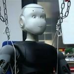 Roméo - le Robot d'Aldebaran Robotics dans un reportage TV #5