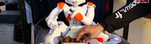 Vendée Globe 2012 - Tanguy et le robot Nao - Les chocolats de Noël - Bandeau #1