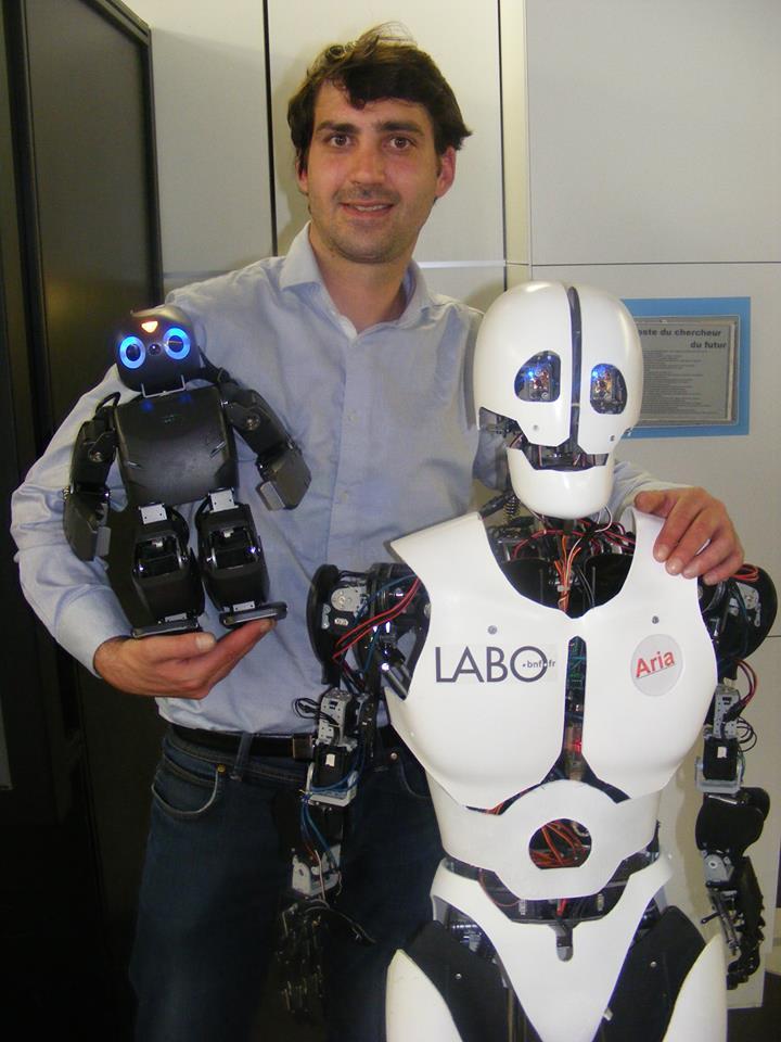 ARIA - Le Robot Humanoide de la société Cybedroid #1