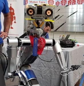 Aperobo-87-Rencontre-Robotique-Mensuelle-Regis-Foubet-Robot-Johnny-5